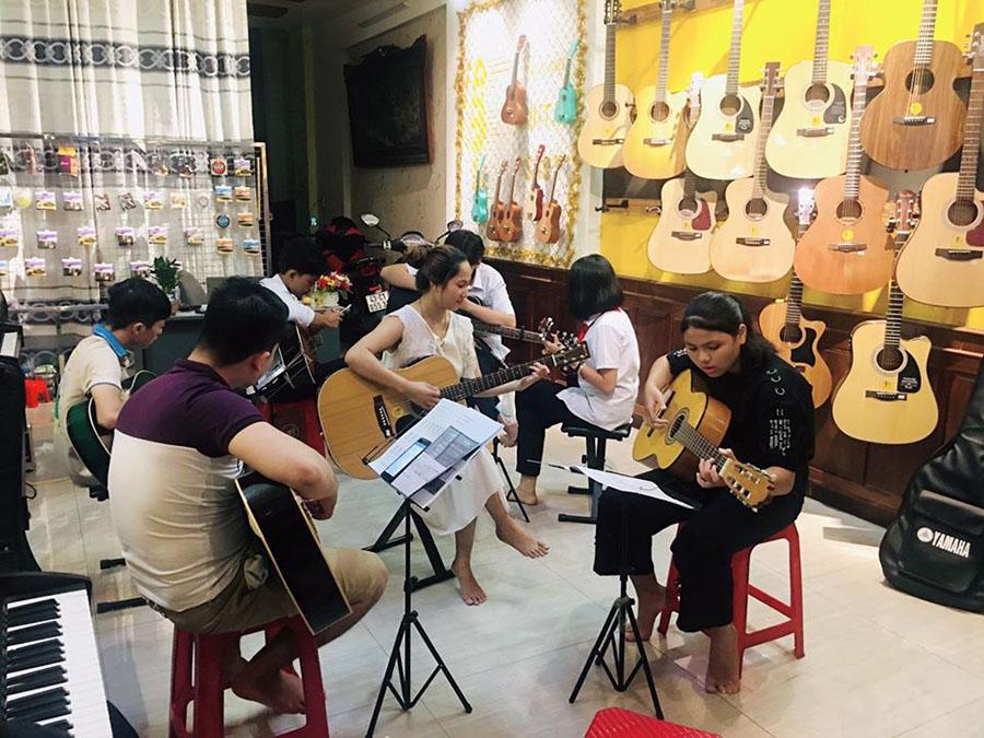 Tìm đến ngay 6 địa chỉ học đàn Guitar tốt nhất ở Biên Hòa